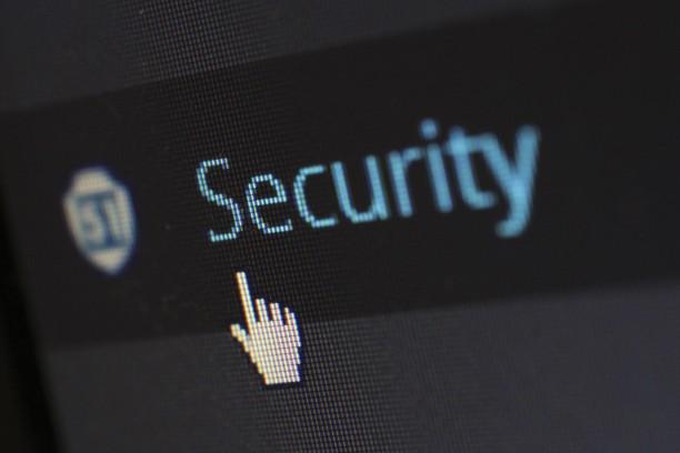 Cége teljes informatikai bázisát biztonságban tudhatja